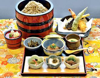 そば膳 季節の小鉢、蒸し物、揚げ物、お蕎麦のセット
